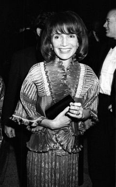 Lee Radziwill 1975. Lee really resembles Jackie here, more so  than in most photos.