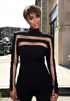 celebritiesofcolor: Tyra Banks attends The Annual Daytime Emmy Awards at Warner Bros. Studios on April 2015 in Burbank, California. BGKI - the website to view fashionable & stylish black girls shopBGKI today Fashion Details, Look Fashion, Womens Fashion, Fashion Design, Nick Jonas, Demi Lovato, Next Top Model, Celebs, Celebrities