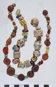 Constantin Pion – Les perles en verre en Gaule mérovingienne (Ve-VIIIe siècles). . À la découverte d'un savoir-faire au service des dames