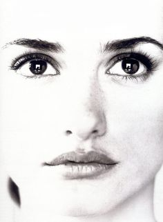 Penelope Cruz ck shows just her gorgeous features and not the HAIR!