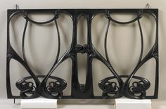 Hector Guimard (1867-1942). Balcony grille. 1909-1911. Cast iron. Collection of Smithsonian Cooper-Hewitt, National Design Museum - New York - USA | JV