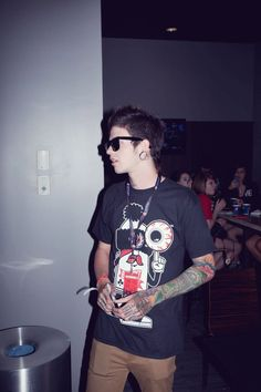 Travis Mills is sex. I honestly do not think there is a sexier man alive