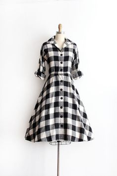R E S E R V E D vintage dress // plaid wool day dress Vintage 1950s Dresses, Vintage Clothing, Vintage Outfits, Day Dresses, Cute Dresses, Beautiful Dresses, Classic Fashion, Classic Style, My Style