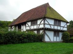 Bayleaf Farmstead originally from Kent now located at Weald and Downland. This building dates from the 15th or early 16th century. Bayleaf is a timber framed hall house dating mainly from the early 15th century.  The open hall in the middle of the house is entered from the screens passage.  Next to ...
