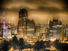SÃO PAULO BY NIGHT.