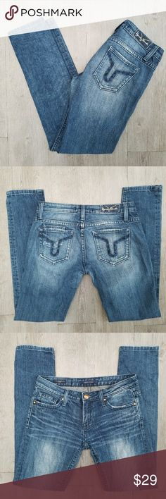 Vigoss 'The Brooklyn' Skinny Jeans Outerseam 39.5 in Inseam 31 in Waist 16 in Rise 8.5 in Excellent condition  Feel free to ask me any additional questions! Bundles of 3+ items are 15% off. No trades, or modeling. Happy Poshing! Vigoss Jeans Skinny