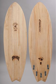 Firewire surfboards : planche de surf robuste et performante Wooden Surfboard, Surfboard Fins, Surfing Tips, Surfing Quotes, Firewire Surfboard, Surfing Wallpaper, Soul Surfer, Surfing Pictures, Surf Art