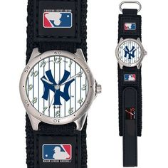 """New York Yankees Future Star Series Youth / Kids Watch  Officially Licensed Team logo Stainless Steel Back Adjustable hook & loop strap designed for kids or ladies - Fits 4"""""""" to 6"""""""" wrist Quartz Acc"""