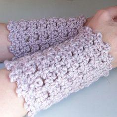 picot-arm warmers ~ free pattern
