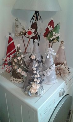 58 Attractive Of July Decoration Ideas Cone Christmas Trees, Felt Christmas, Christmas Wreaths, Christmas Ornaments, Handmade Christmas, Christmas Decorations Sewing, 4th Of July Decorations, Holiday Crafts, Holiday Decor