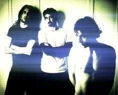 """THE DRY MOUTHS: UN MAPA DE ROCK OSCURO"". Lo oscuro, en ocasiones, es extrañamente luminoso. http://caosblanco.wordpress.com/2014/02/20/the-dry-mouths-un-mapa-de-rock-oscuro/ #rock"
