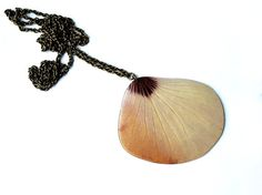 Hibiskus necklace by AhoyAhimsa from Germany