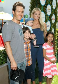 Mark-Paul Gosselaar and his family pose on the red carpet at Safe Kids Day. #safekidsday