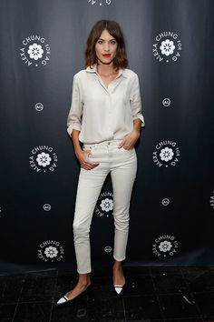 Alexa Chung Photos - TV personality/model Alexa Chung attends the Alexa Chung for AG New York Launch Party on January 2015 in New York City. - Alexa Chung for AG New York Launch Party Jeans Skinny Branco, White Skinny Jeans, White Denim, Black Jeans, Style Fille Cool, Cool Girl Style, Alexa Chung Style, Looks Chic, Looks Style