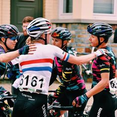 Teamwork makes the dream work Pajot Hills Classic @wmncycling