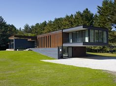 Gallery of Clearview Residence / Altius Architecture Inc - 15