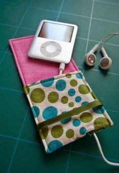 Gifts for Teens CD holder for car, Bike bag, Binder cover, iPod pouch, Hanging bed organizer