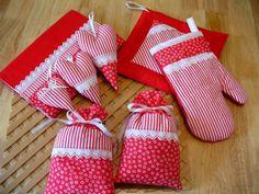 nápady Christmas Stockings, Holiday Decor, Home Decor, Needlepoint Christmas Stockings, Decoration Home, Room Decor, Christmas Leggings, Home Interior Design, Home Decoration