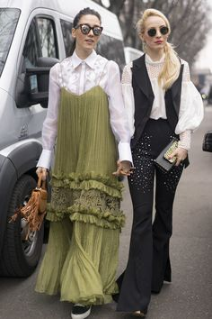 fabulous muses Diana Enciu Alina Tanase on the streets of Milan