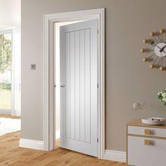 Door style for bedrooms, bathrooms, pantry, etc. Victorian Interior Doors, Cottage Doors Interior, Shaker Interior Doors, White Interior Doors, Interior Door Styles, Interior Wall Colors, Shaker Doors, Primed Doors, Door Fittings