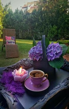 Caffeine Legumes, Soil Gourmet coffee, Flavoured and Espresso Good Morning Coffee, Coffee Break, Coffee Cafe, Coffee Drinks, Cozy Coffee, Coffee Photography, All Things Purple, Turkish Coffee, I Love Coffee