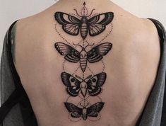 Rücken Tattoo für Frauen, vier Schmetterlinge, beeindruckende weibliche Tattoo-Motive