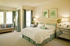 Комбинация бежевого с голубым и зеленым — очень легкая, успокаивающая, расслабляющая. Прекрасный выбор для спальни.