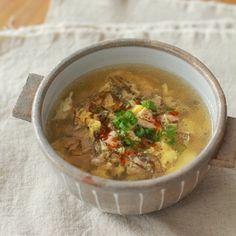 包丁もまな板もいらない!  管理栄養士・料理研究家の五十嵐ゆかりです。  今回は、「3分でできる サンラータン風スープ」をご紹介します。…