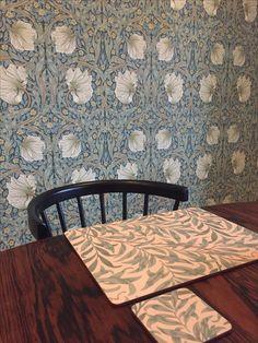 William Morris Pimpernel Tapet Kök Painting Wallpaper, William Morris, Farmhouse Style, Entrance, Master Bedroom, Sweet Home, Living Room, Interior, Wallpapers