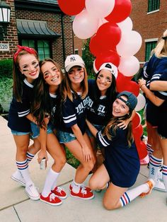 bff halloween costumes 100 Halloween Costumes for Teens which are Charming & Smart - Ethinify College Sorority, Sorority Sisters, Sorority Recruitment, Sorority Life, Bid Day Themes, Halloween Costumes For Teens, Halloween Pictures, Spirit Halloween, Yoga Fitness