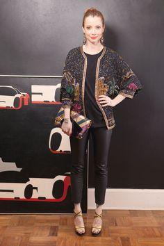 -camiseta Cavalera -calça Nasty Gal -casaco Etsy -bolsa Marc Jacobs -sandálias Fernando Pires -brincos Hector Albertaz