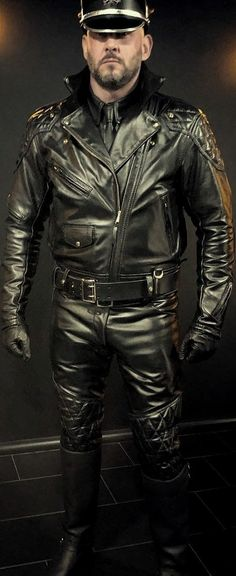 Leather Jeans Men, Leather Jacket, Leather Fashion, Black Men, Handsome, Boots, How To Wear, Jackets, Outfits