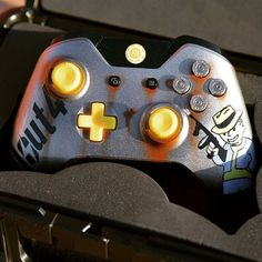 Our #Fallout4 themed limited edition controller will be dropping today! Very limited in quantity, each unit is hand airbrushed for the fullest detail. #CustomControllerzz #CCArmy #CustomController