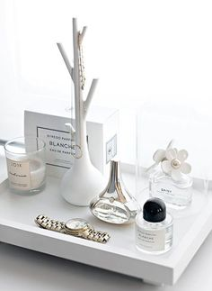 Rangement maquillage : les plus jolis plateaux et présentoirs pour les produits de beauté