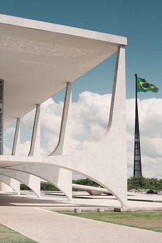 Palácio de Planalto, 1960, by Oscar Niemeyer