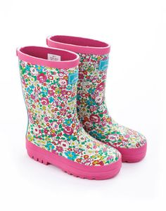 Joules BABY WELLY G Baby Girls Rain Boot, Ditsy. Even if shes only taking her first steps, splashing around in puddles will have never looked so pretty.
