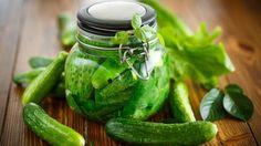 Uhorky majú močopudné účinky, vláknina, ktorú obsahujú prispieva k čisteniu čriev. Pickles, Cucumber, Ale, Food, Ale Beer, Essen, Meals, Pickle, Yemek