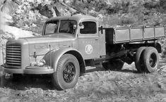 Škoda 706 RT: Populární trambus se začal vyrábět před 60 lety | Auto.cz Vintage Cars, Antique Cars, Trucks, Commercial Vehicle, Vehicles, Coaches, Agriculture, Construction, Design