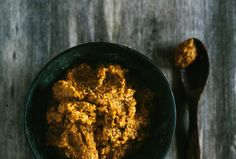 As basis for a variety of delicious curries we've prepared this exotic curry paste with Krachai root.