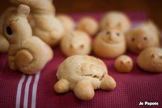 Petits pains pour Pâques en forme d'animaux