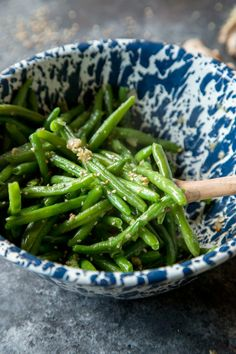 Simple, spicy, and totally healthy these sesame ginger garlic green beans are the perfect weeknight side dish with a little Asian flair. Pair this easy recipe alongside chicken, beef, or fish for the ultimate family dinner.
