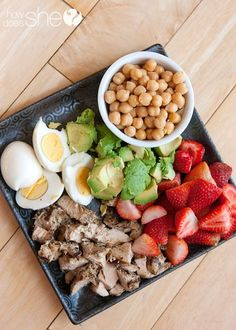 Tips for getting kids to eat clean! Find more healthy recipes at www.livingwellwit… Tips for getting kids to eat clean! Find more healthy recipes at www. Healthy Meal Prep, Healthy Snacks, Healthy Eating, Healthy Recipes, Healthy Kids, Diet Recipes, Healthy Nutrition, Recipes Dinner, Lunch Recipes