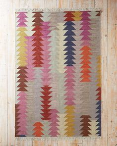 An interesting twist on the geometric trend, this artistic handwoven pure wool flat-weave rug sports directional triangles. Here, they are layered creating this the… Floor Decor, Textile Patterns, Rugs On Carpet, Wool Rug, Hand Weaving, Cotton Rugs, Area Rugs, Tapestry, Weave