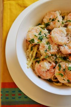 Spicy Shrimp Scampi - A delicious, comforting meal that is perfect to serve to guests or just to treat yourself with. http://www.packmomma.com/spicy-shrimp-scampi/