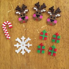 Christmas hama perler beads - loving the reindeer!!