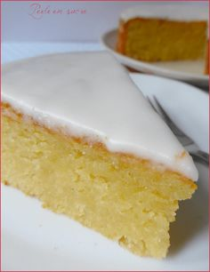 Almond or fondant almond cake - Pearl sugar - Almond or fondant almond cake More - Vegan Dessert Recipes, Fudge Recipes, Cheesecake Recipes, Oreo Cheesecake, Baked Carrots, Desserts With Biscuits, Almond Cakes, No Bake Treats, Food Cakes
