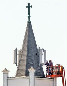 Church Steeple cell site antenna installation gone bad- church clearly didn't know what it was doing when it approved this. Cell Site, Dartmouth, Towers, Building, Travel, Viajes, Tours, Buildings, Tower