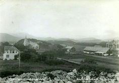 Nordland fylke Brønnøy kommune BRØNNØYSUND. A6 med prestegården og skolen Utg Brønnøysund Bokhandel/Th.Pedersen. Postgått 1947