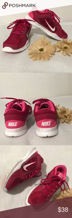 Nike running shoes Nike womens running shoes. Size: 8. Used a couple of times but still in very good condition. Very comfy and no flaws. ✔️add/bundle another item to save 10% Nike Shoes Athletic Shoes