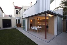 House 6 pavilion is an addition to a terrace home in Sydney